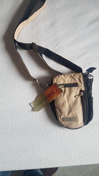 bolso pequeño de hombre CK