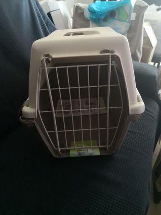 Transportin nuevo a estrenar para perro o gato.
