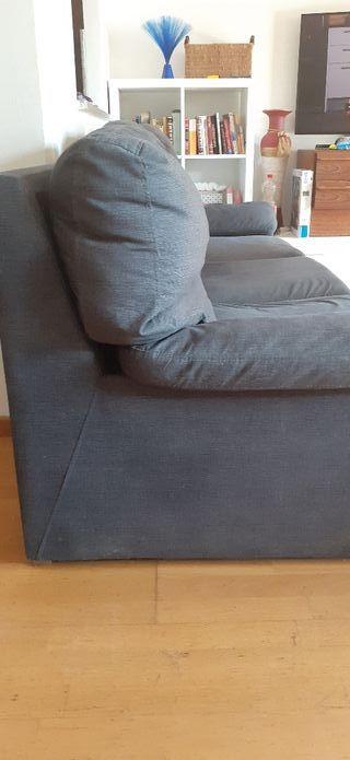 Sofá de 4 plazas.