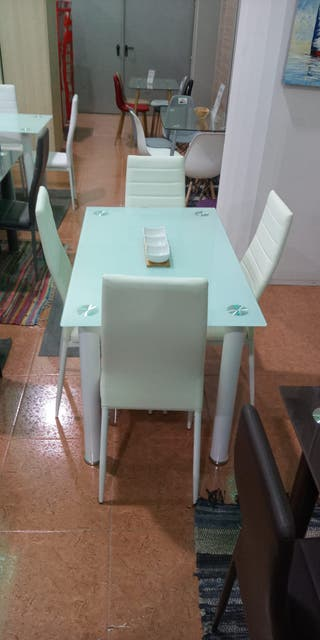 Mesa de Cristal con 4 sillas NT 111