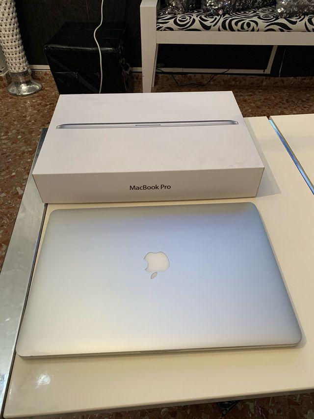 MacBook Pro 15 retina i7 8gb ssd 256gb