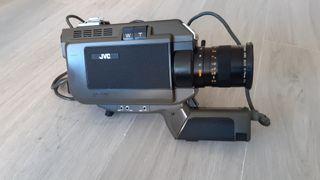 Cámara de video antigua JVC GX-77E