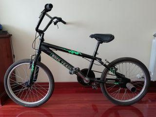 Bicicleta BMX Team Bomber