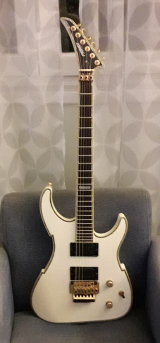 Guitarra Peavey V-Type EXP Limited Edition