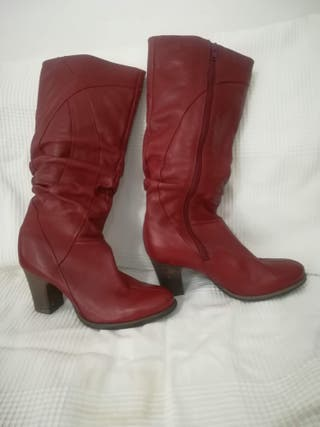 Botas altas rojas Clarks