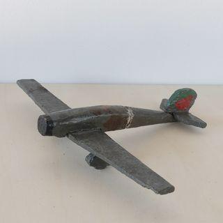 Avión de juguete antiguo