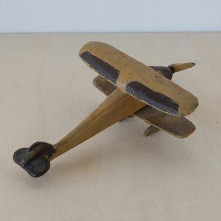 Avión juguete antiguo