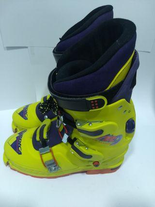 Botas esquí de montaña Nordica