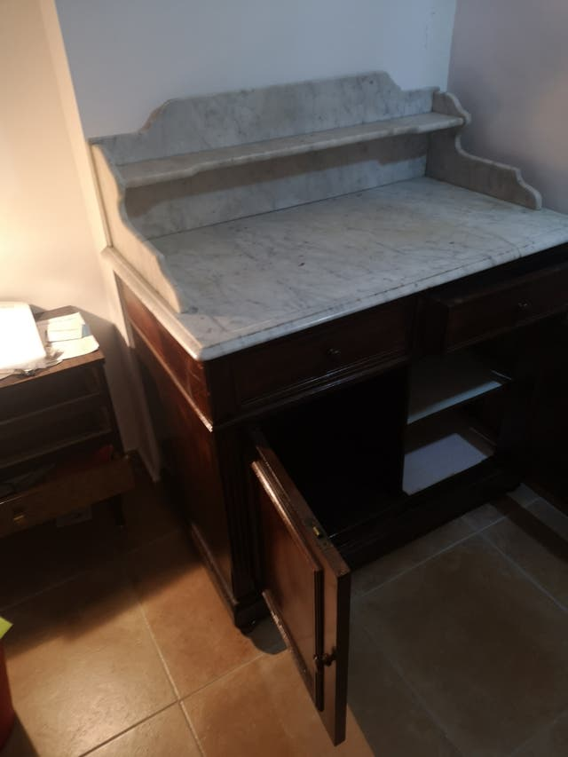 cómoda tocador antiguo con marmol