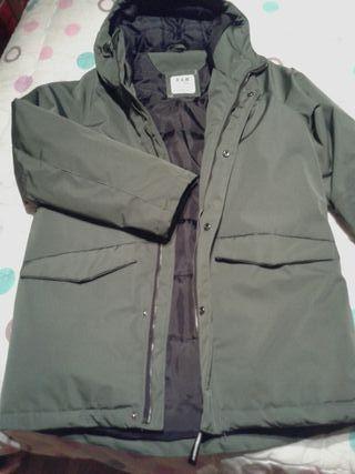 se vende abrigo talla 11-12