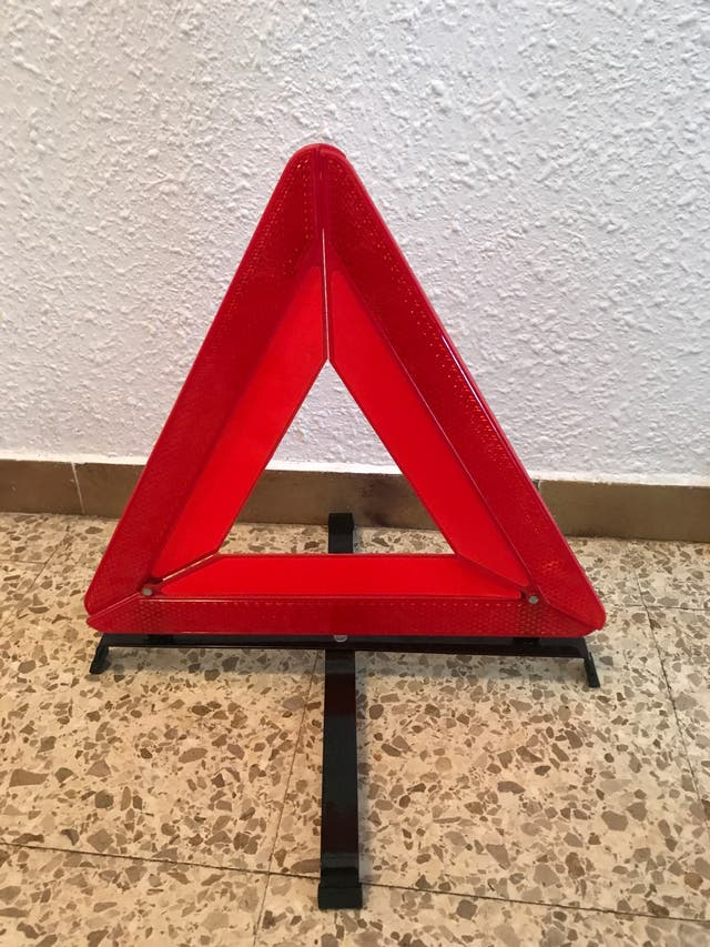 Triángulos de advertencia peligro.