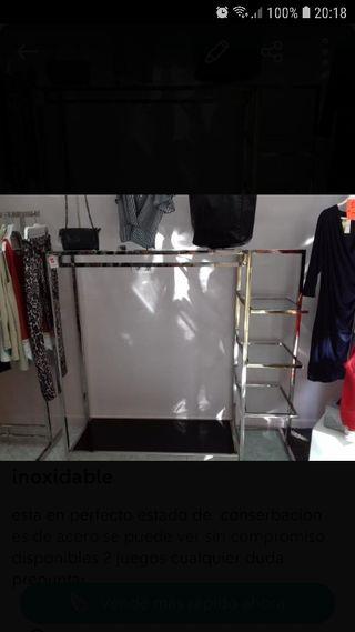 mueble expositor de ropa