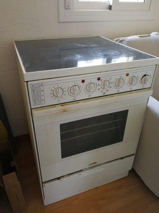 Cocina eléctrica con horno y vitrocerámica