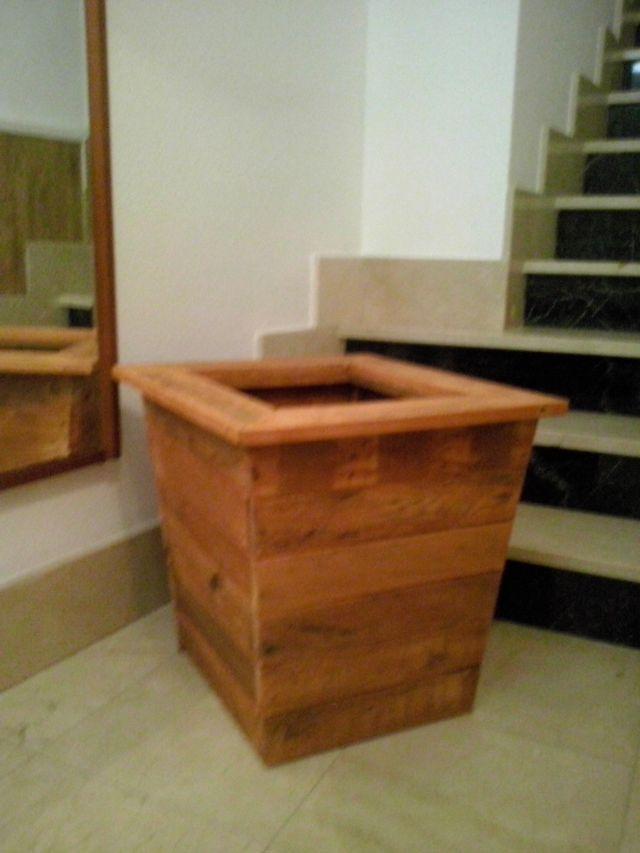 Mueble de madera decorativa