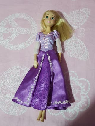 Muñeca Rapunzel articulada con música