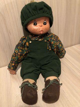 Muñeco Famosa Tomasin