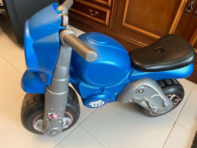 Moto niño con sonido