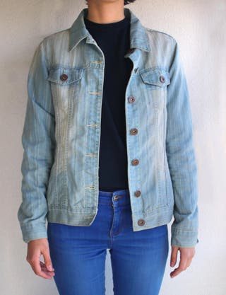 chaqueta vaquera azul claro