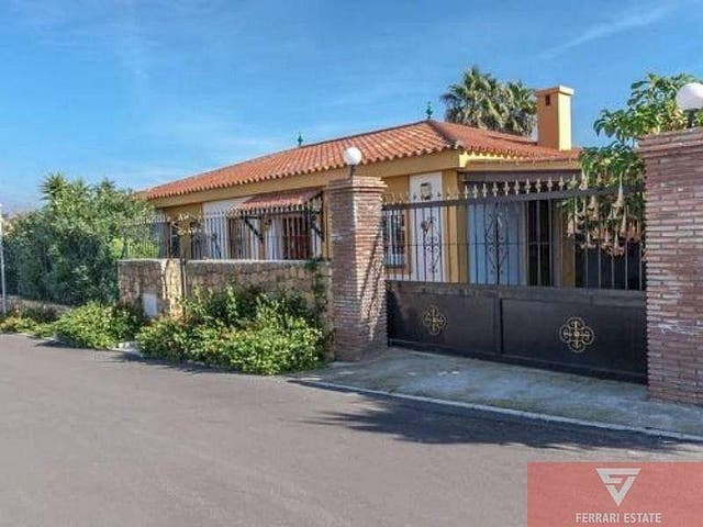 Villa en venta en Estepona Oeste - Valle Romano - Bahía Dorada en Estepona (Buenas Noches, Málaga)