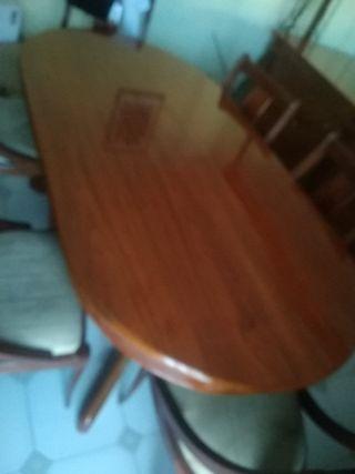 mesa de comedor maciza