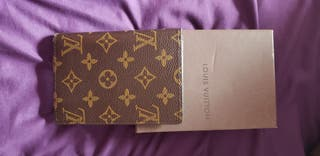 Fonda pasaporte louis Vuitton nuevo