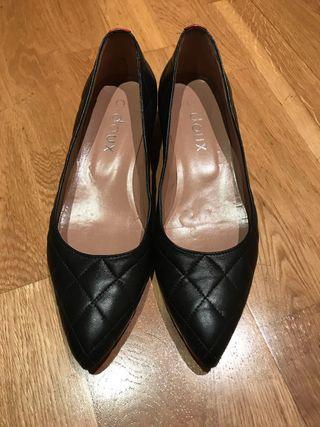 Zapatos piel taco bajo 39