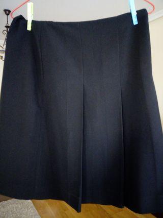 Faldas , negra y azul