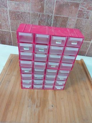 Dos cajas de ordenación con 16 cajoncitos