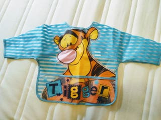 Babero plástico con mangas Disney