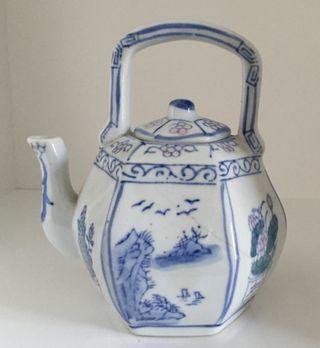 petite théière porcelaine chinoise 18e