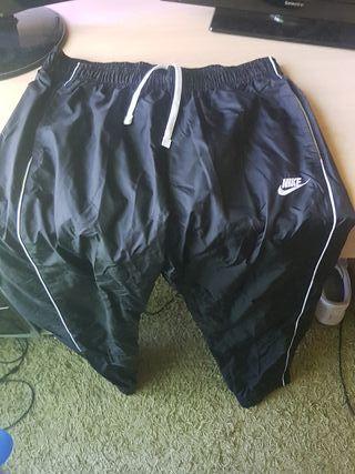 Pantalon cortavientos nike