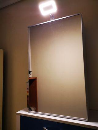 mueble de baño con luz Led tocador y espejo