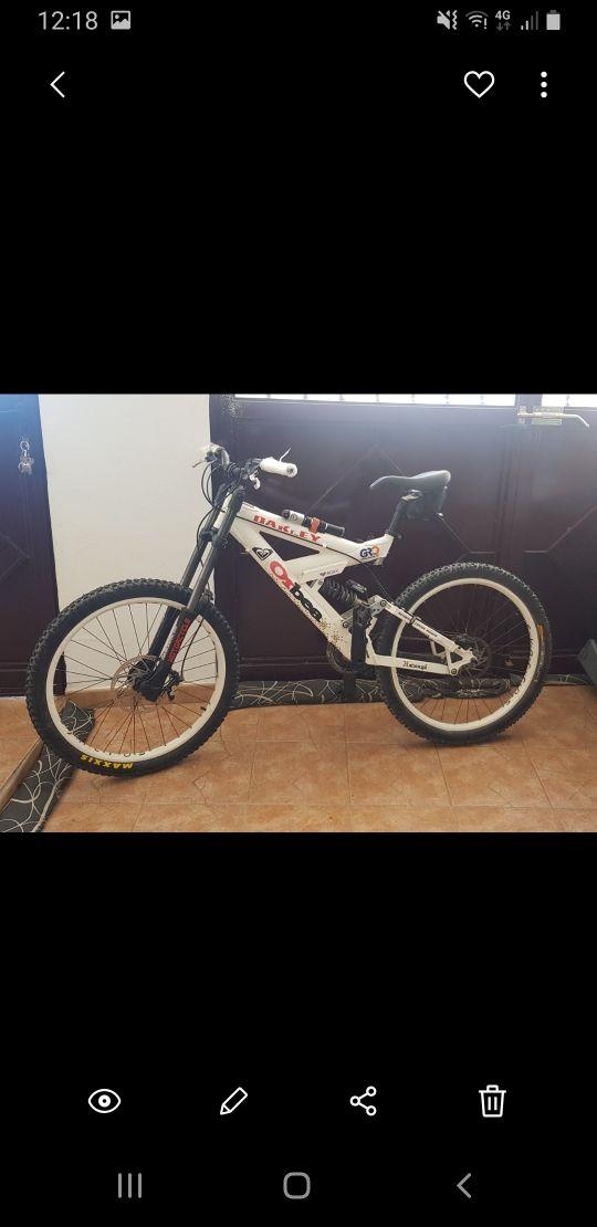 Bicicleta Orbea de descenso