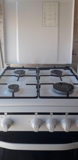 Cocina con horno a gas Eurotech