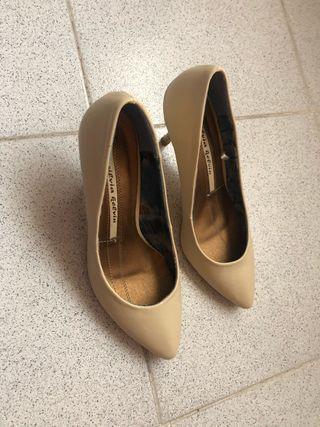 Zapatos salen nuevos