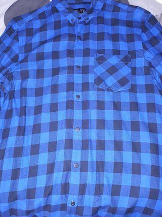 Camiseta azul de cuadros