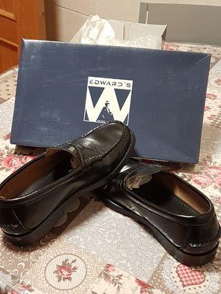 Zapatos castellanos número 39