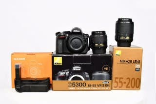 Cámara Nikon D5300 + 18-55m VRII + 55-200