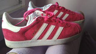 zapatillas Adidas Gazelle rosa fucsia