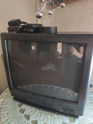 """TV 21"""" con decodificador"""