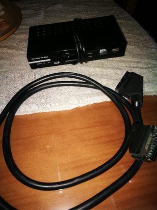 TDT con entrada USB y cables