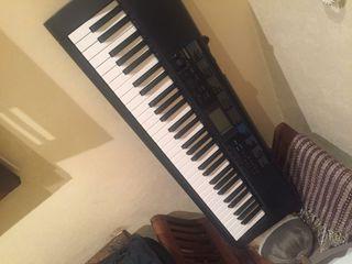 Teclado piano Casio CTK 1300