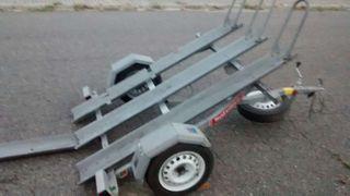 Remolque para 3 motos, galvanizado y basculante