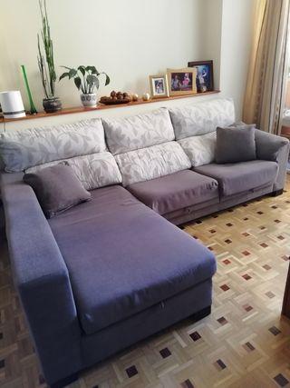 Sofá de 3 plazas con chaiselonge.