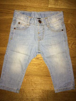 Pantalon de ZARA talla 6-9 Meses Bebe niño