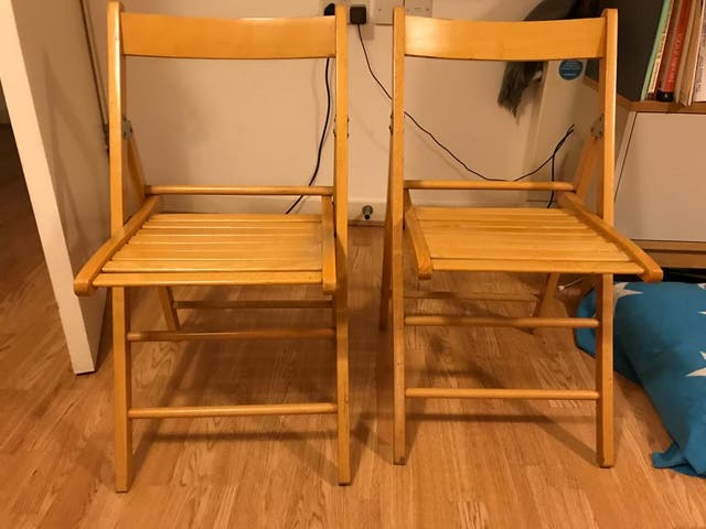 2 wooden Folding Chairs - Natural colour