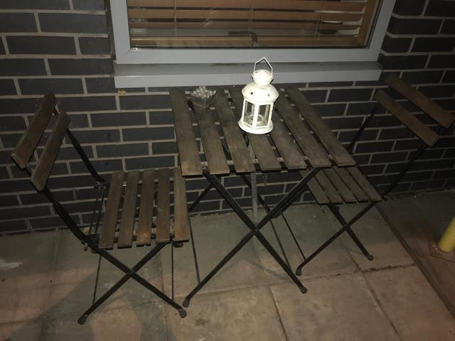 Table 2 chairs outdoor,