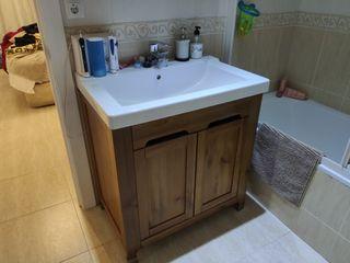 Conjunto de muebles de baño de IKEA