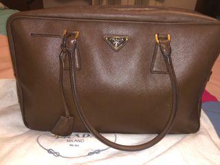 Precioso bolso Prada de segunda mano casi nuevo