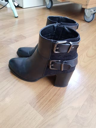 Botines negros de tacón grueso, talla 39